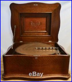 Antique REGINA 20 3/4 DISC DOUBLE COMB MUSIC BOX with15 Discs. Colonnade Top. Works