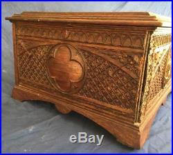 Antique Regina Carved Fancy Oak Case Music Box 15.5 Disk Double Comb Gothic