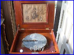Antq. Regina Co. Music Box & 17 Discs Beautiful Wood Case Hand Crank