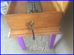 BEAUTIFUL ANTIQUE REGINA 15 1/2 DISK Double Comb Music Box NOW with 25 DISKS