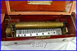 Etouffoirs en Acier Swiss 6 Song Cylinder Music Box 22X8X8high 1800's works