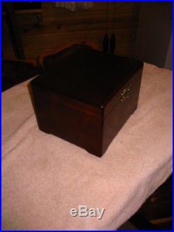 Mira 6 3/4 Disc Music Box (Gift Quality)
