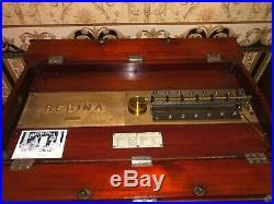 Regina music box model #6, plays 27 discs 3 included, restored condition