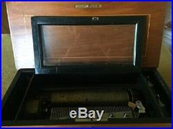 VINTAGE SWISS MUSIC BOX. Excellent condition